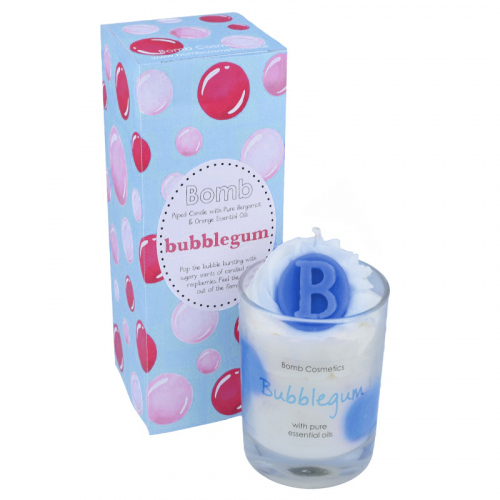 Bomb Cosmetics - Piped Candle with Pure Essential Oils - Bubblegum - Świeca zapachowa z pianką - BUBBLEGUM